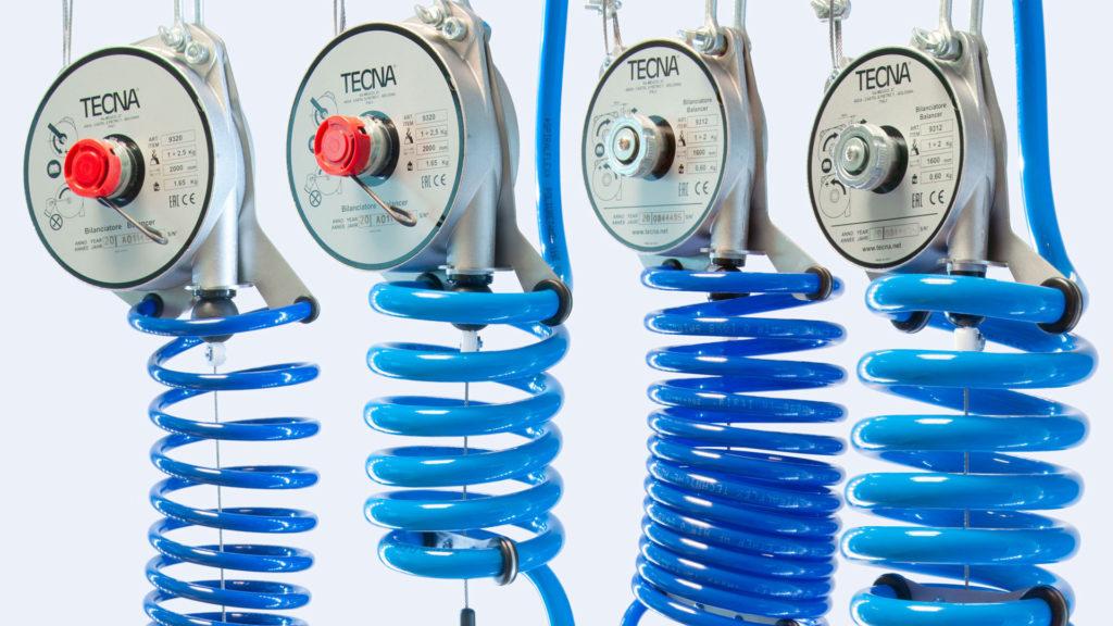 Balancéry TECNA doplnené o sadu pre pripojenie pneumatického náradia.